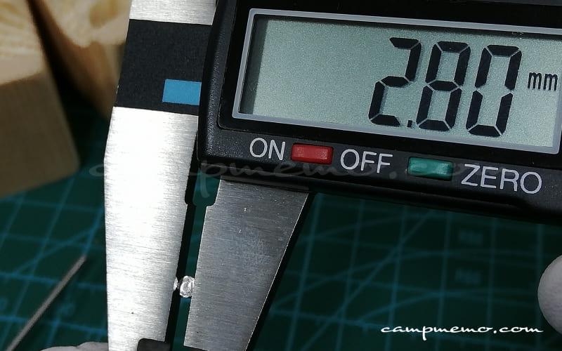 オピネルNo.8のピン(先端)ノギスで計測
