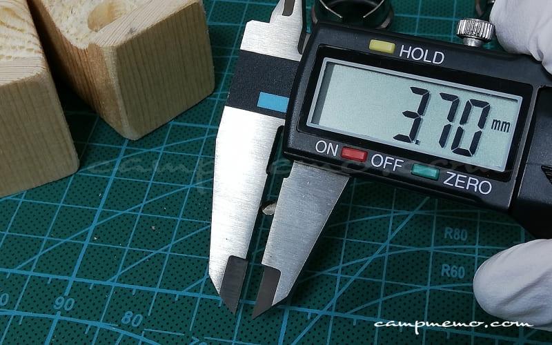 オピネルNo.8のピン(フランジ部分)ノギスで計測
