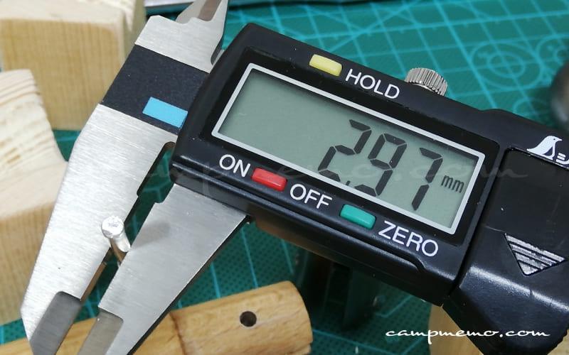 オピネルNo.10のピン(中間)をノギスで計測