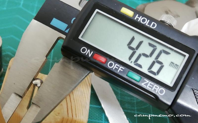 オピネルNo.10のピン(フランジ部分)ノギスで計測