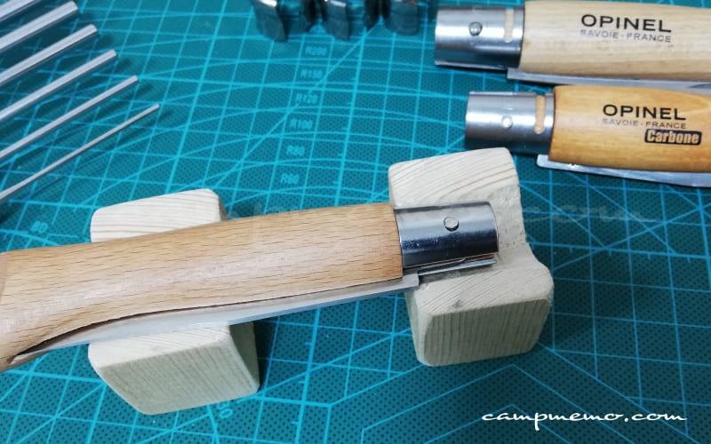 オピネルを分解するときの自作ピン抜き台