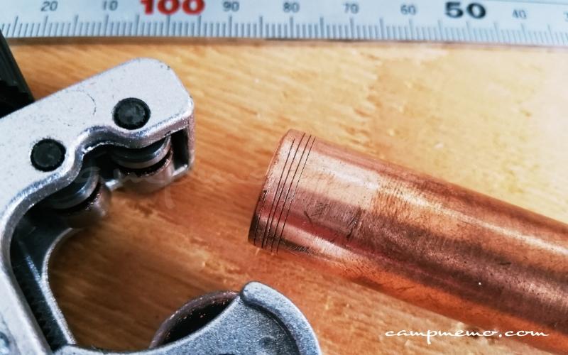 パイプカッターで銅管をカット失敗