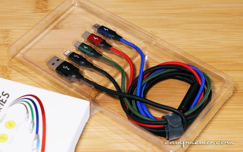 Lightning・Type-C・Micro-USBに対応した4in充電ケーブル