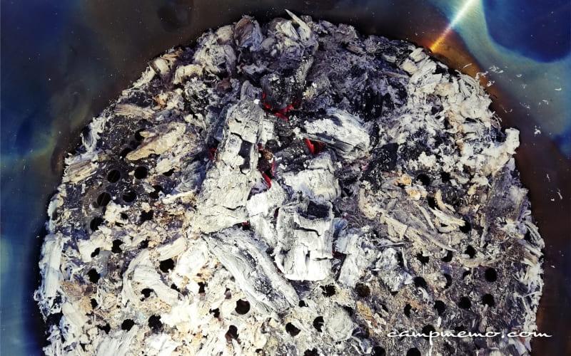ソロストーブレンジャー燃焼後の灰の状態
